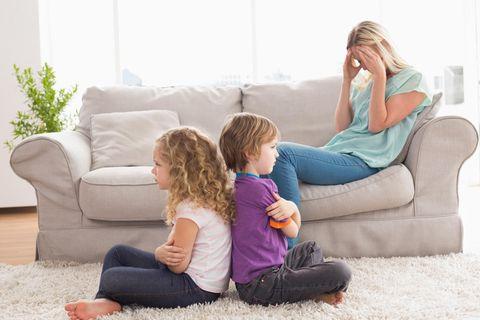 Streiten lernen im Kleinkindalter: Zerstrittene Geschwister