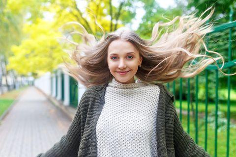 Beauty-Tipps für die Übergangszeit: Junge Frau