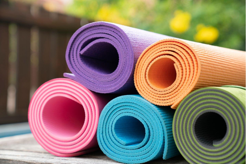 Yogamatte reinigen: Yogamatten