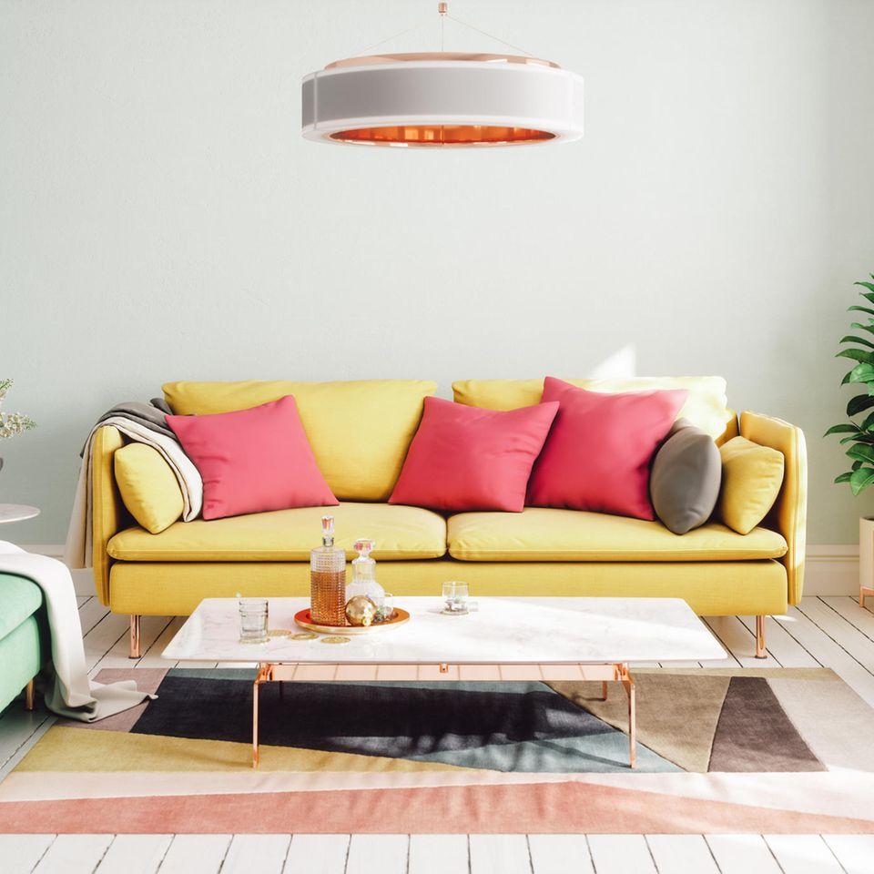 Farbtrends 2021: Bunt eingerichtetes Wohnzimmer
