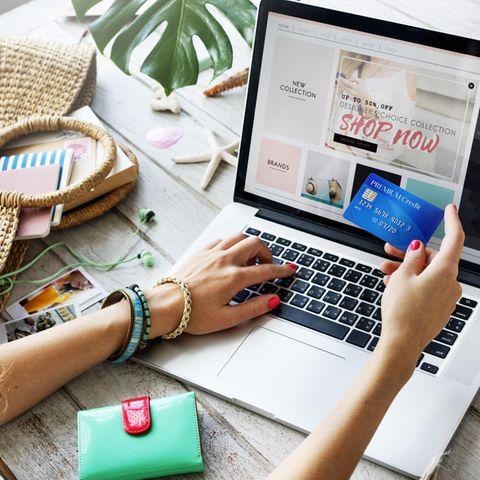 junge Frau, Onlineshopping
