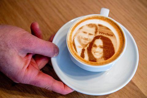 Royales Kaffeekränzchen: Kaffeetasse