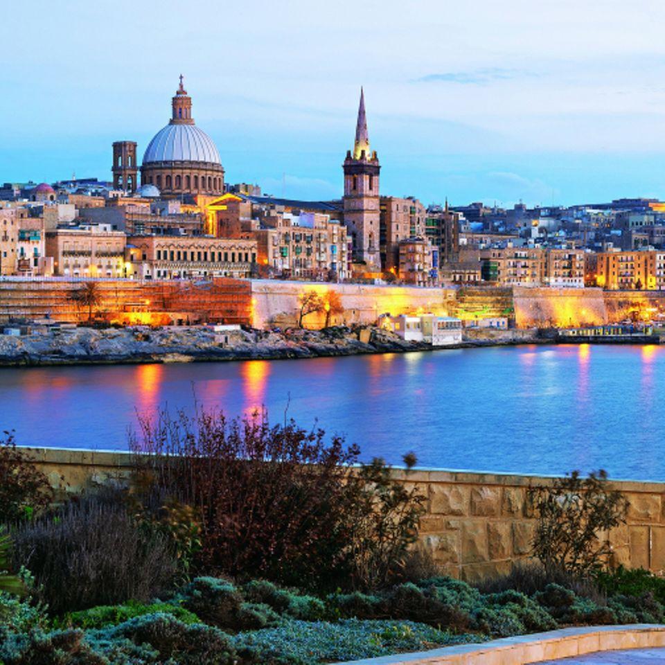 Den besten Blick auf die Skyline von Valletta hat man von einer der Halbinseln gegenüber der Altstadt.