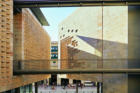 Renzo Piano baute 2014 das neue Parlament und Abgeordnetenhaus in Valletta.