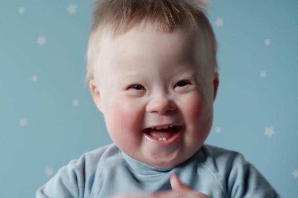 Windelhersteller zeigt Babys mit Down-Syndrom in Werbung