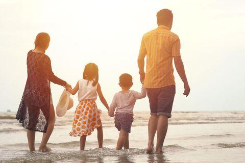 Patchwork-Familien: Familie am Strand