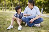 Wer setzt sich durch?: Vater und Sohn unterhalten sich