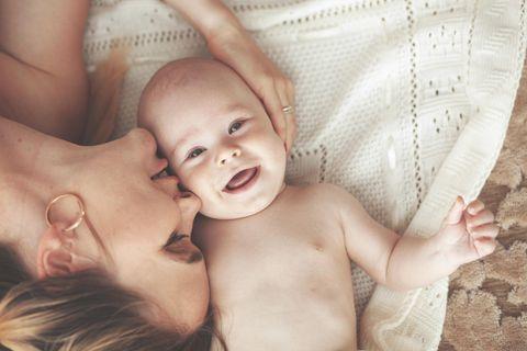 Wenn das Baby auf der Welt ist: Mutter mit Baby