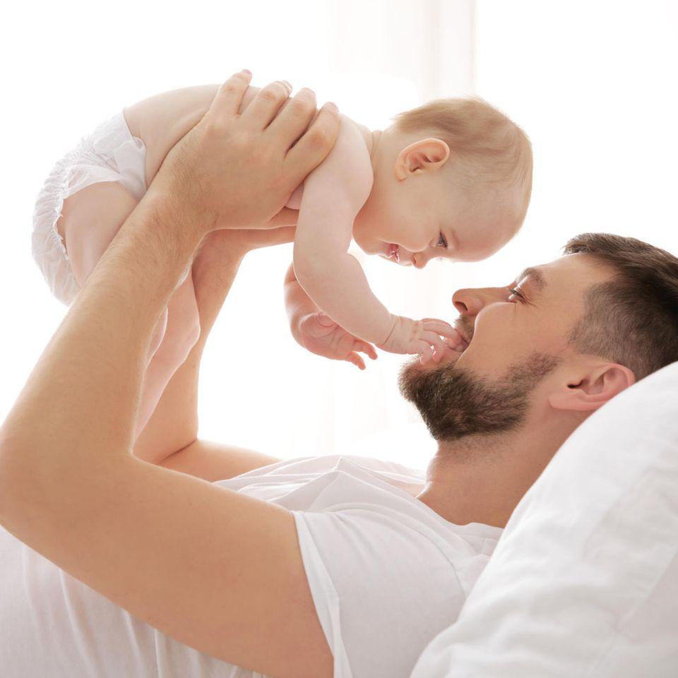 Ein junger Vater erzählt: Papa mit Baby