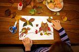 Herbstbasteln mit Kindern: Figuren aus Blättern