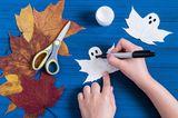 Herbstbasteln mit Kindern: Blätter-Geister
