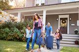 Finanzen: Familie fährt in Urlaub