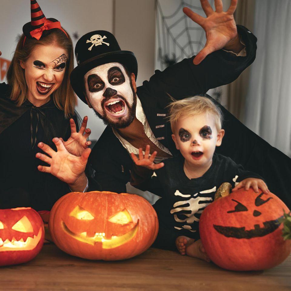 Das perfekte Halloween-Kostüm für dein Sternzeichen: Familie an Halloween