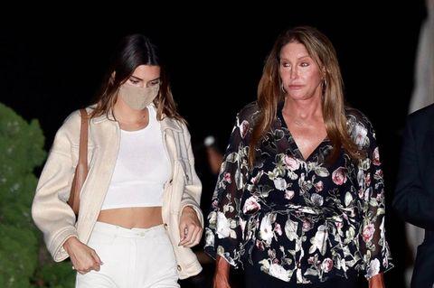 Kendall Jenner trägt Mango-Jacke