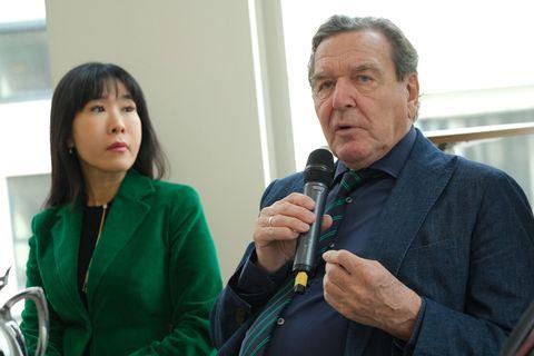 Gerhard Schröder erklärt den Herbst