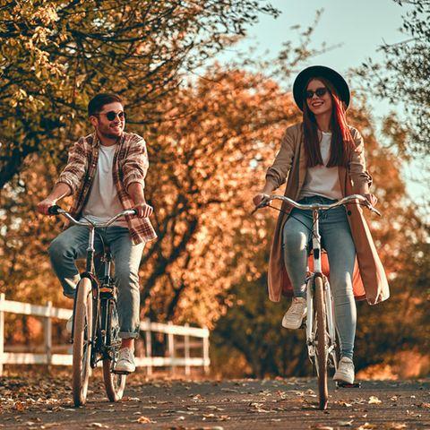 Gottmann-Konstante: Ein Pärchen fährt zusammen Fahrrad