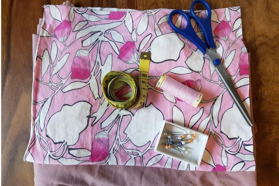Halssocke nähen: Textilien und Nähzubehör