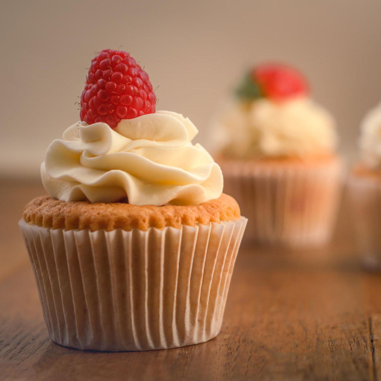 Prosecco-Cupcakes mit Himbeere