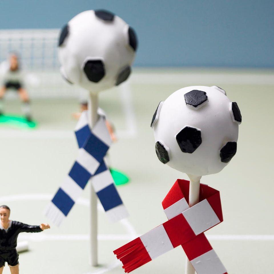 Fußball-Cake-Pops