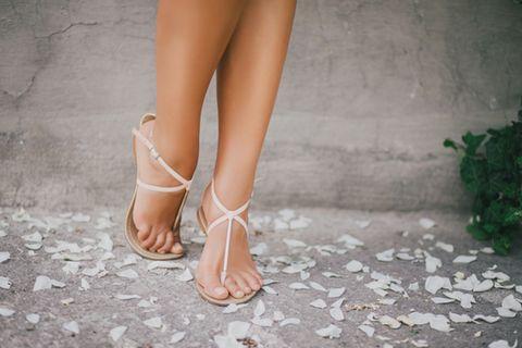 Blasen am Fuß: Frauenfüße