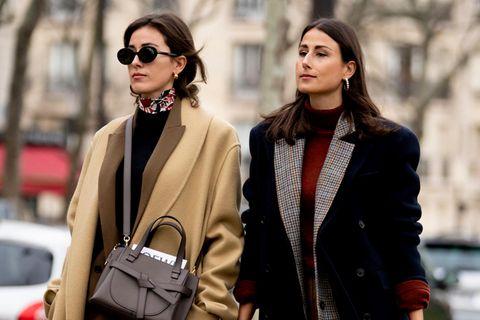 Danke Emily in Paris: Diese Trendteile tragen wir jetzt rauf und runter