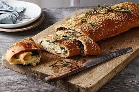 Käse-Oliven-Rolle