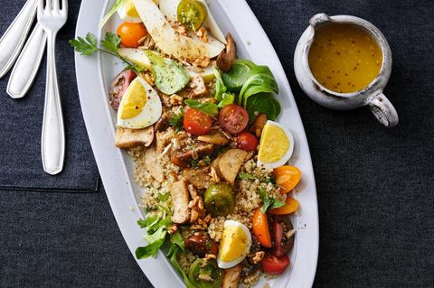 Quinoa-Salat mit Kräuterseitlingen und Ei