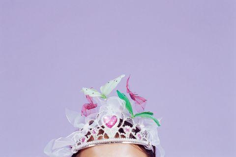 Krone mit Schmetterlingen