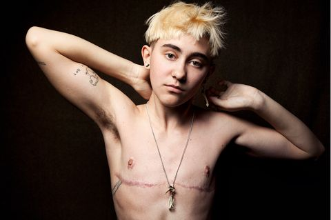New Queer Photography: Teenager posiert