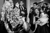 Die schönsten Hochzeitsbilder des Jahres:Hochzeitsgesellschaft tanzt