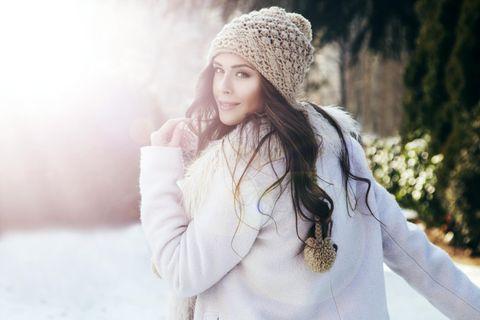 Diese Sternzeichen beeinflusst der November-Neumond besonders stark: Frau im Winter