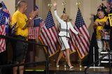 Jill Biden: im weißen Kostüm