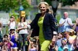 Jill Biden: im gelb-grünen Kostüm