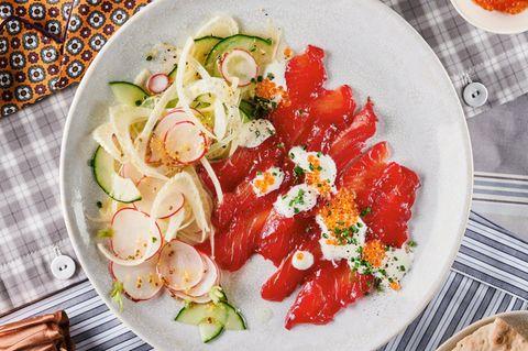 Gebeizter Gewürzlachs mit Radieschen-Salat