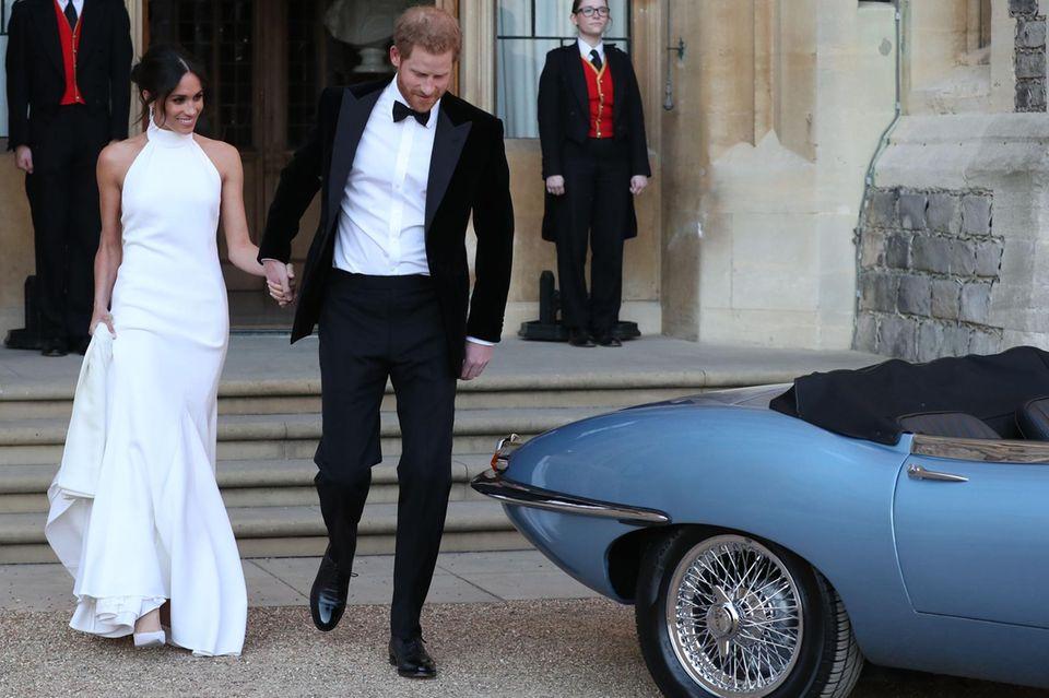 Zweite Hochzeitskleider: Meghan Markle mit Prinz Harry