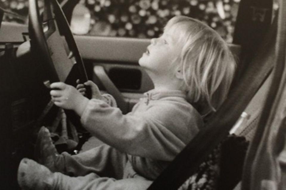 Kindheit in den 70ern: 10 Kinderfotos, für die Eltern heute Ärger bekämen