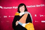 Ein Schal fürs Leben: Dr. Bärbel Kofler