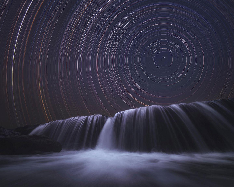 ILPOTY 2020: Wasserfall in der Nacht