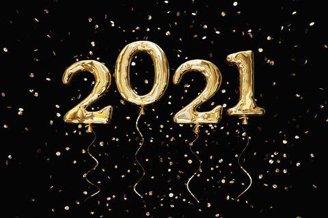 Jahreshoroskop 2021: 2021 aus goldenen Luftballons