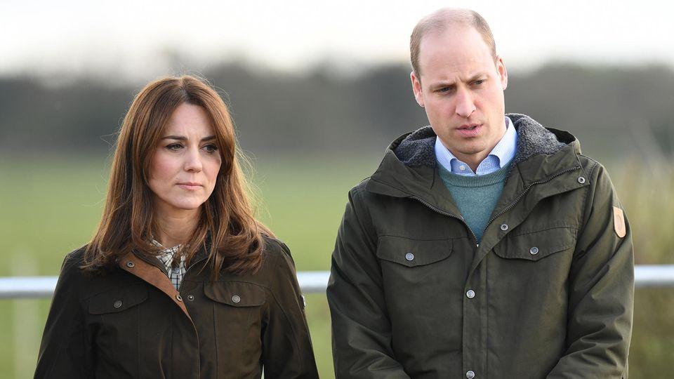Kate + William: Stehen nebeneinander