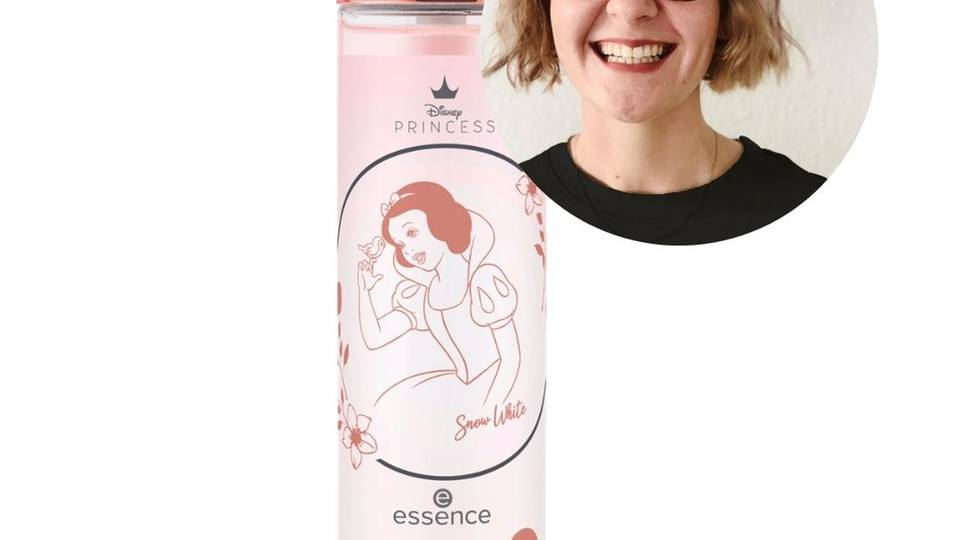 Praktikantin Carolin hat das Essence Snow White Disney Princess liquid powder fixing mist getestet.