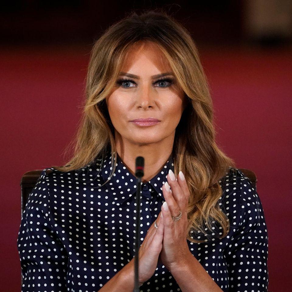 Melania Trump: Bye, bye! Hier sieht man sie zum letzten Mal beim Weihnachtsbaum Abholen