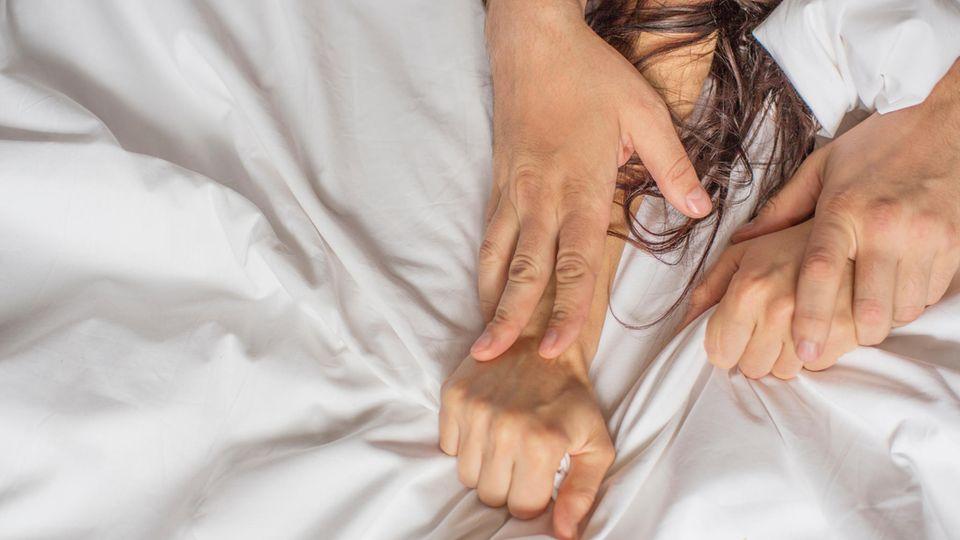 Zum höhepunkt frau Weiblicher Orgasmus: