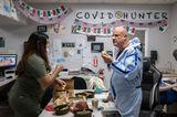 Corona-Bilder: Pflegepersonal beim Essen