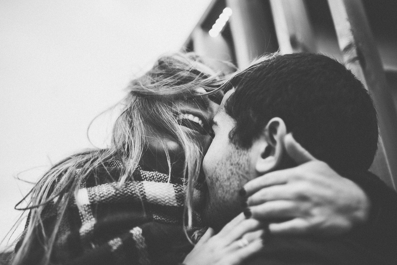 Liebe im Alltag: Glückliches Paar