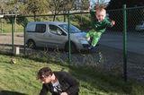 Abenteuerliche Babyfotos: Baby fliegt mit Ballon