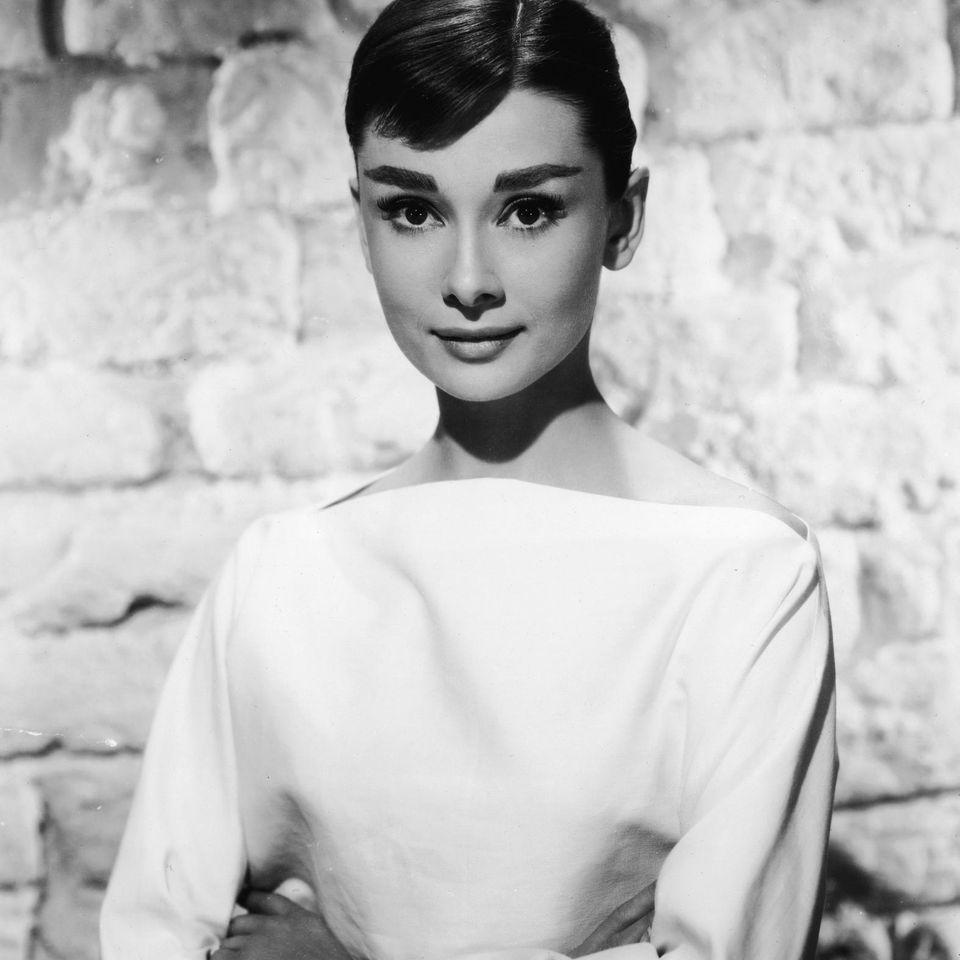 Stil-Ikone: 5 Stil-Geheimnisse, die wir uns von Audrey Hepburn abgucken