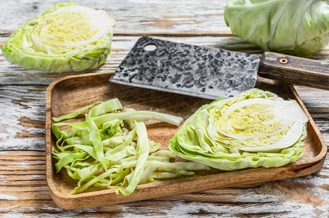 Spitzkohl zubereiten: Klein geschnittener Spitzkohl