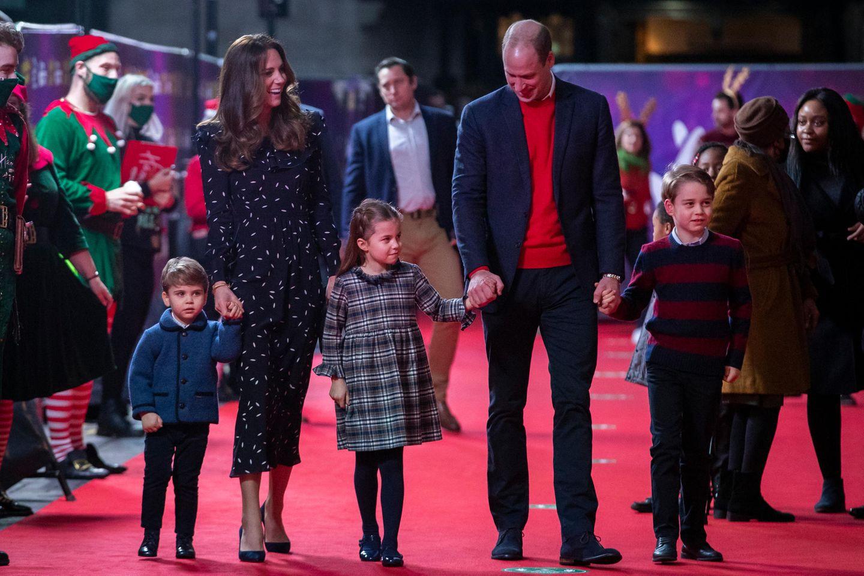Royale Kinderfotos: Familie Cambridge auf dem roten Teppich