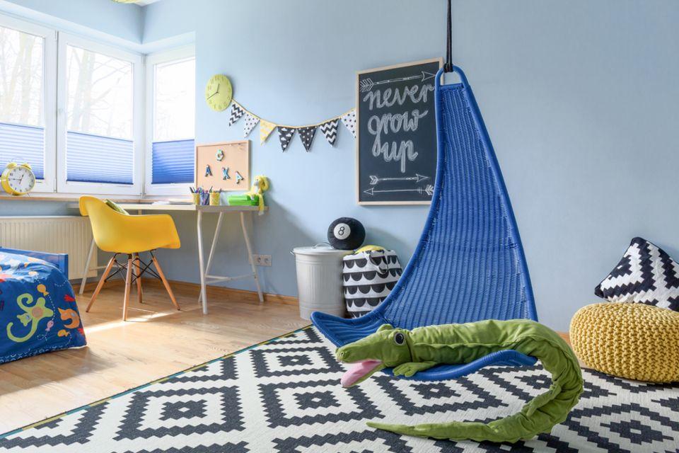 Kinderzimmer gestalten: Kinderzimmer mit Hängesessel